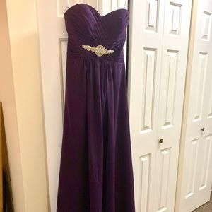 Strapless full-length beautiful purple dress!